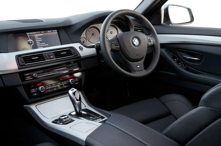 BMW 5 Series Touring dashboard