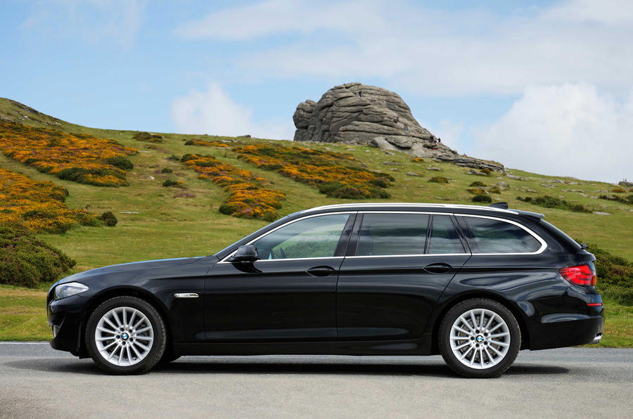 BMW 5 Series Touring side profile