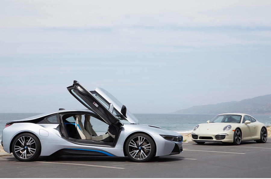 Comparison: new BMW i8 vs Porsche 911