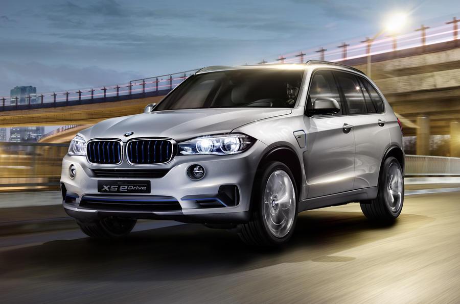 Quick news: BMW X5 eDrive; Ferrari extends warranty; No axe for UK plates