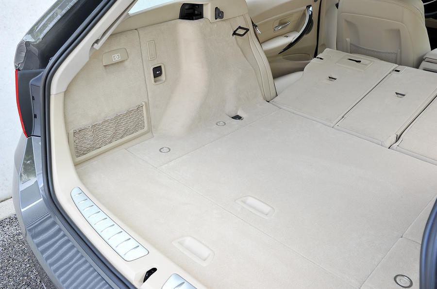 BMW 328i Touring boot space