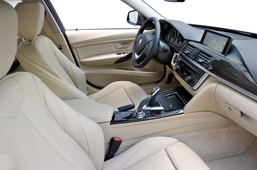 BMW 328i Touring interior
