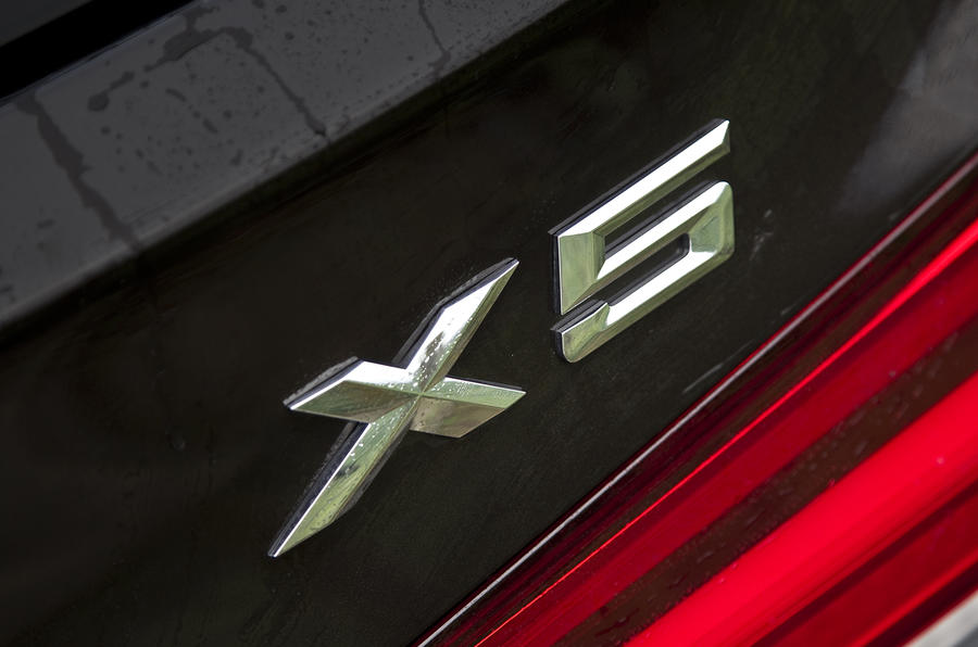 BMW X5 badging