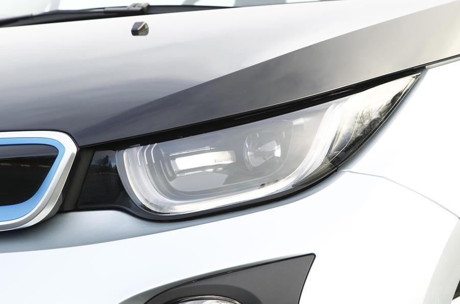 BMW i3 halogen and LED headlights