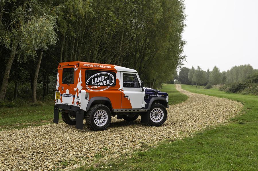 Land Rover Defender Challenge drifting