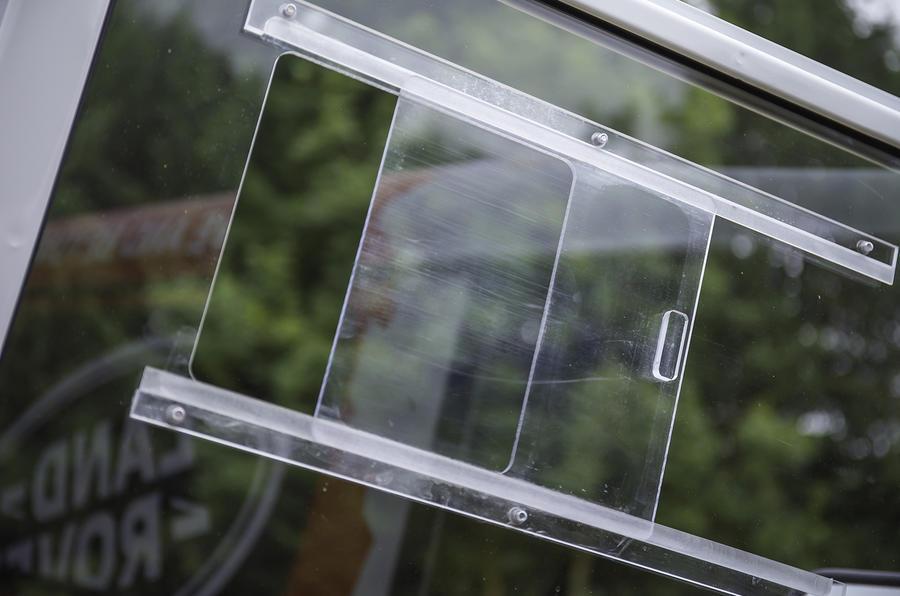 Land Rover Defender Challenge porthole
