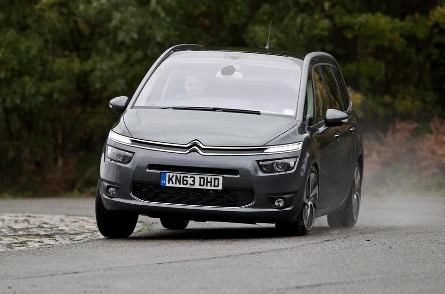Citroën Grand C4 Picasso cornering