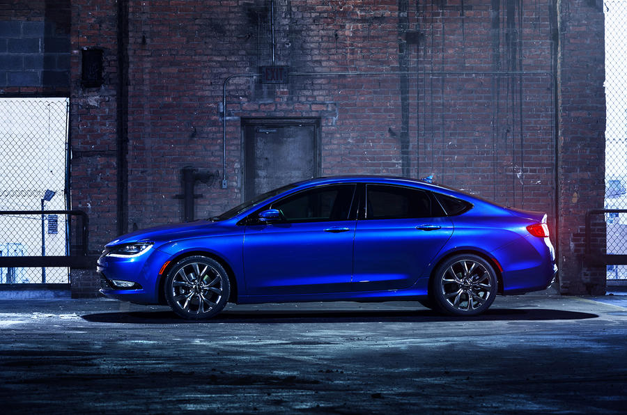 Chrysler 200 revealed
