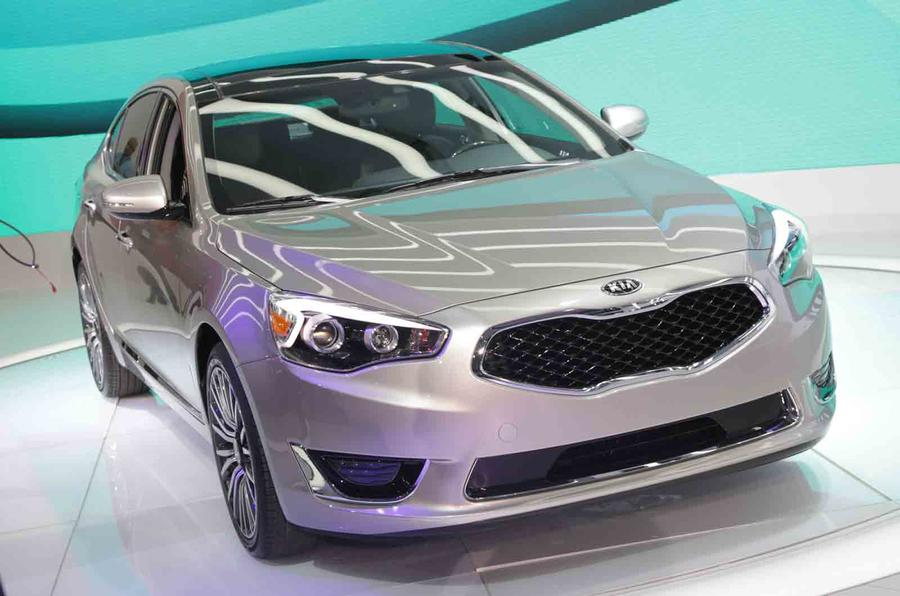 Kia luxury saloon could come to UK