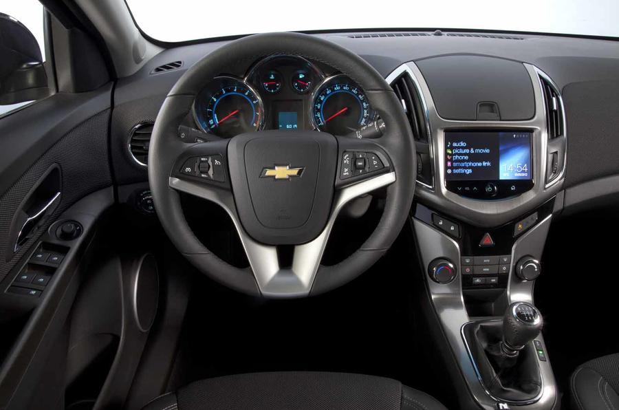 Chevrolet Cruze SW dashboard