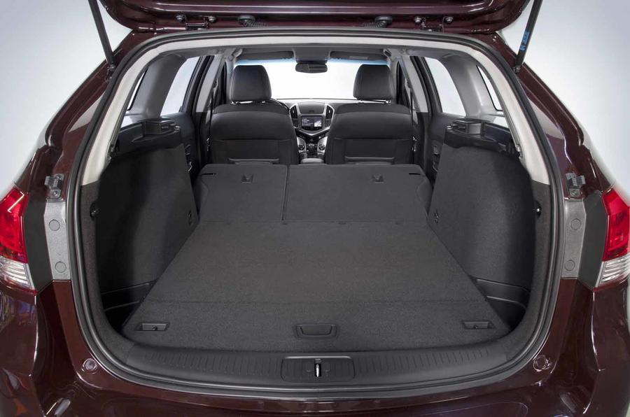 Chevrolet Cruze SW boot space