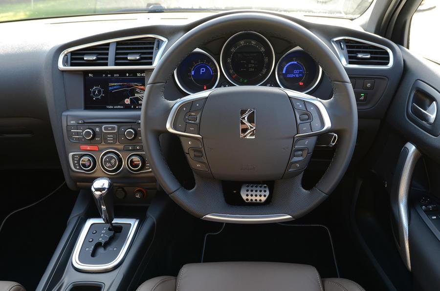 Honda Element Pics likewise Mercedes C Class Coupe as well Ds Rt further Citroen Ds besides Essai Citroen C Frenchdriver. on 2015 citroen c4 facelift