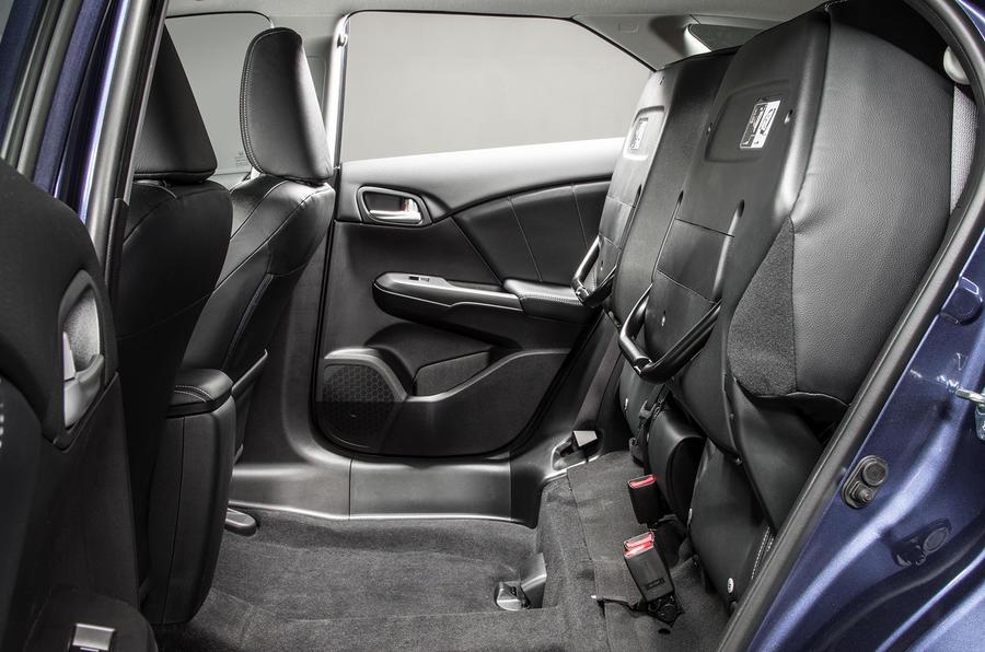 Honda Civic Tourer revealed