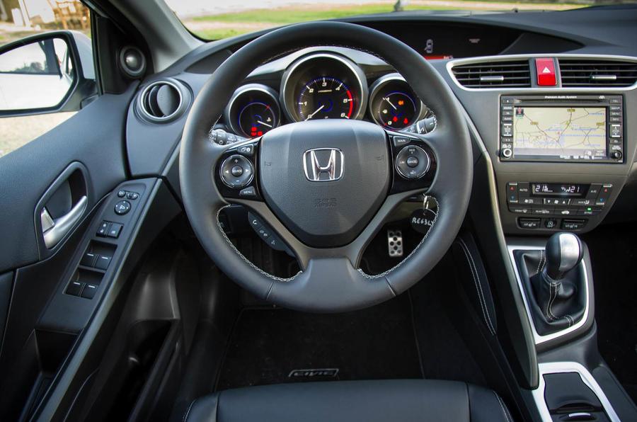 Honda Civic 1.6 i-DTEC EX dashboard