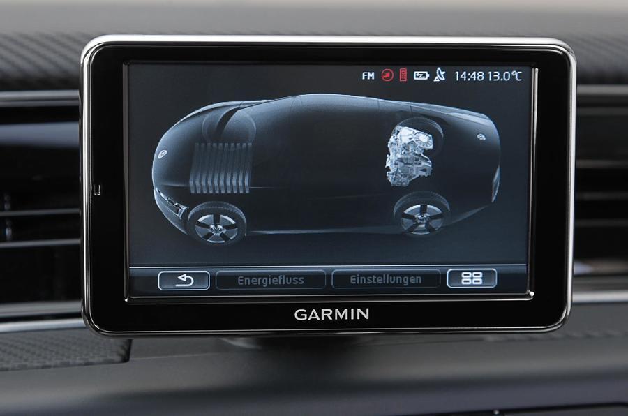 Volkswagen XL1 infotainment system