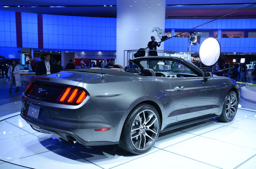 2015 Ford Mustang gets public debut