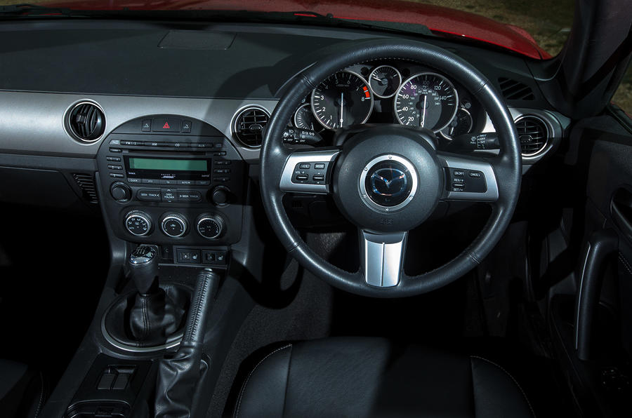 Mazda MX-5 dashboard