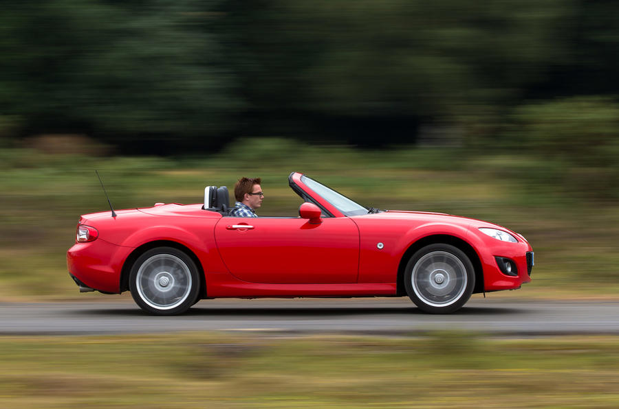Mazda MX-5 side profile
