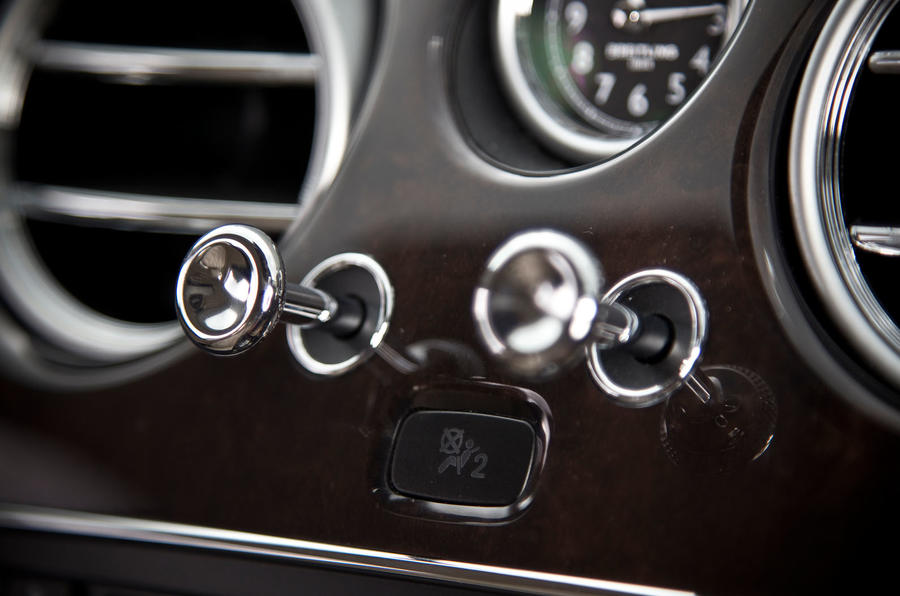 Bentley Flying Spur switchgear
