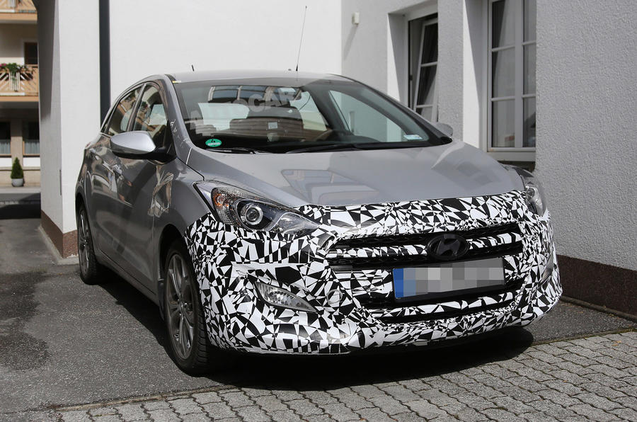 Hyundai readies facelifted i30 for 2015 launch