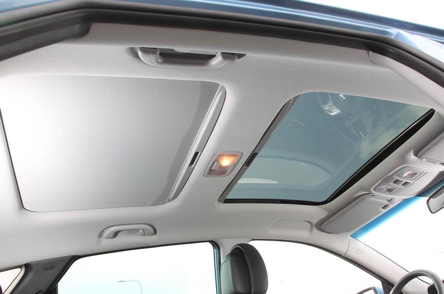 Hyundai ix35 twin sunroof