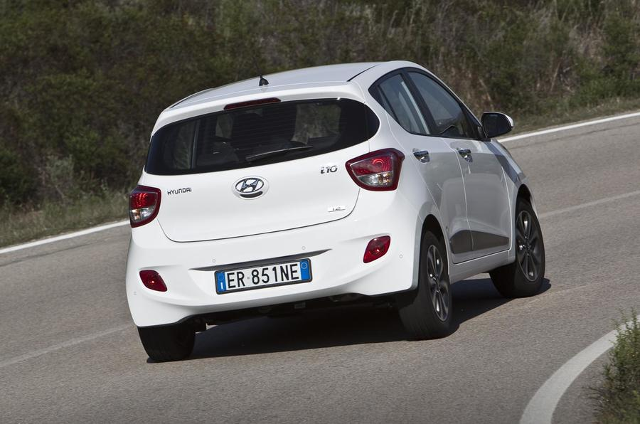 Hyundai i10 rear hard cornering