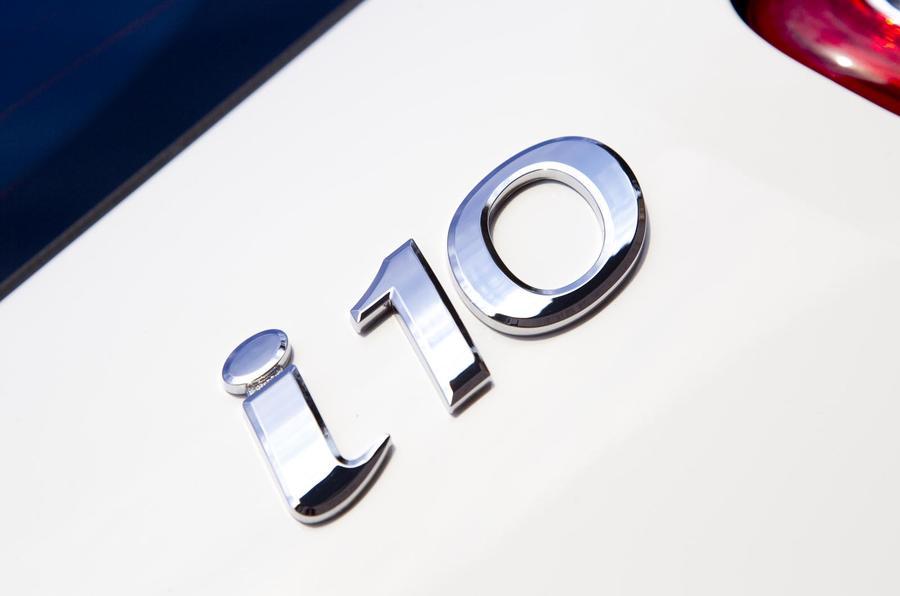 Hyundai i10 badge