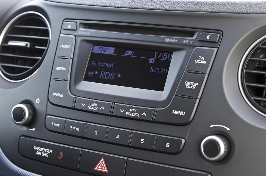 Hyundai i10 infotainment