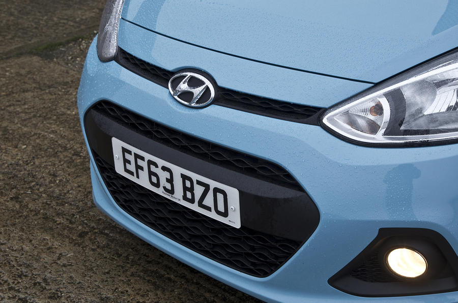 Hyundai i10 front grille