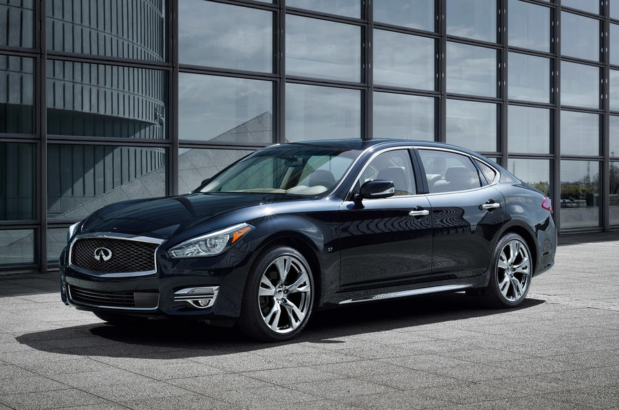 Revised Infiniti Q70 shown in New York