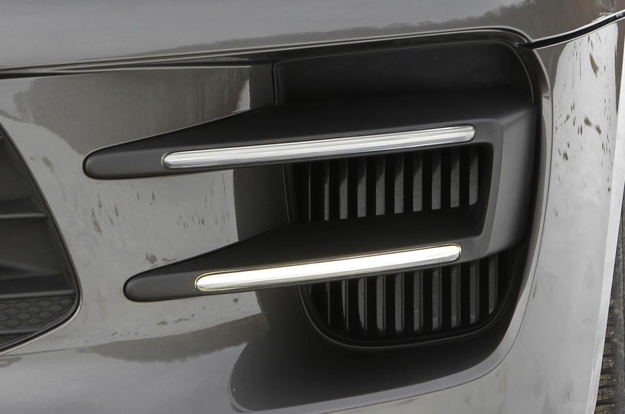 Porsche Macan Turbo air vents