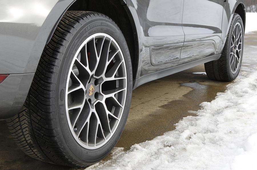 20in Porsche Macan Turbo alloy wheels