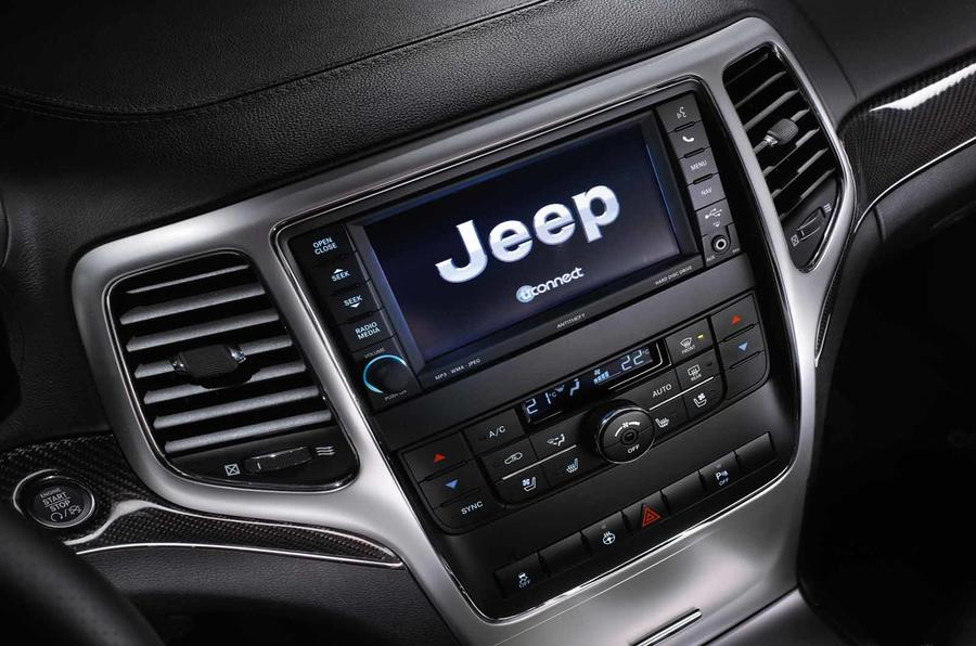 Jeep Grand Cherokee SRT infotainment