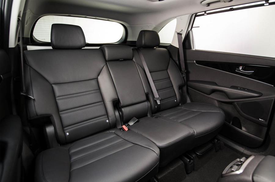 Third-generation Kia Sorento unveiled