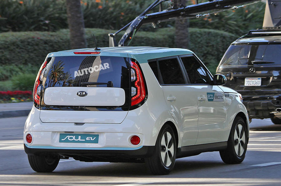 Kia's new electric Soul spied completely undisguised