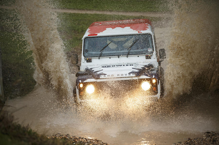 Land Rover Defender Challenge in water