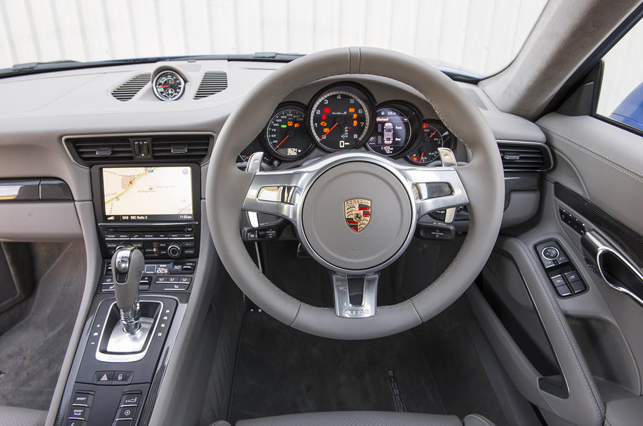 Porsche 911 Turbo dashboard