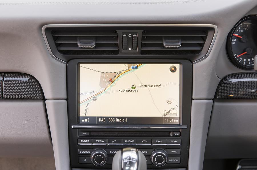 Porsche 911 Turbo infotainment system