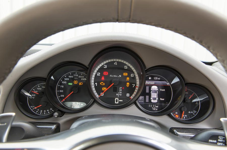 Porsche 911 Turbo instrument cluster