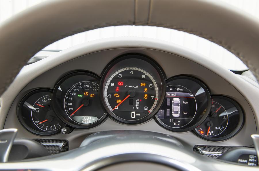 Porsche 911 Turbo instrument cluster