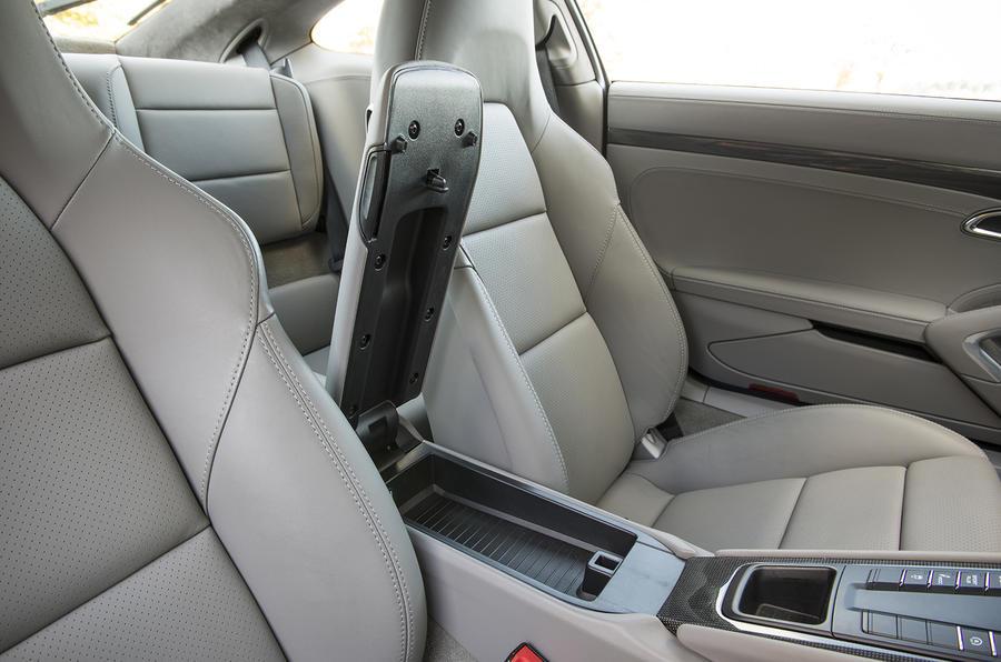 Porsche 911 Turbo sport seats