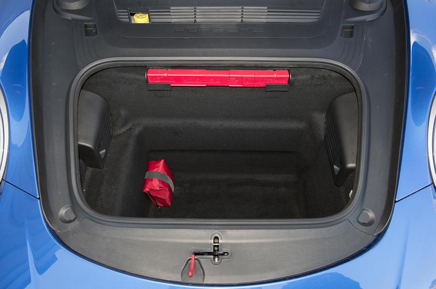 Porsche 911 Turbo boot space