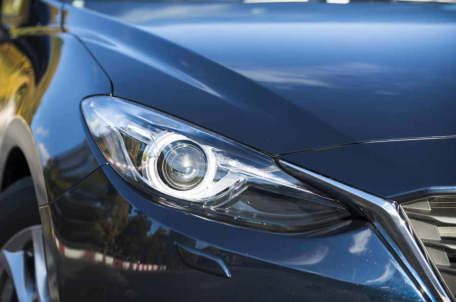 Mazda 3 bi-xenon headlights