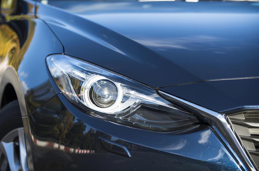 Mazda 3 bi-xenon headlights