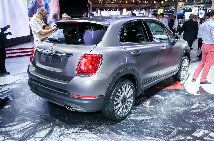 Fiat 500X compact crossover unveiled
