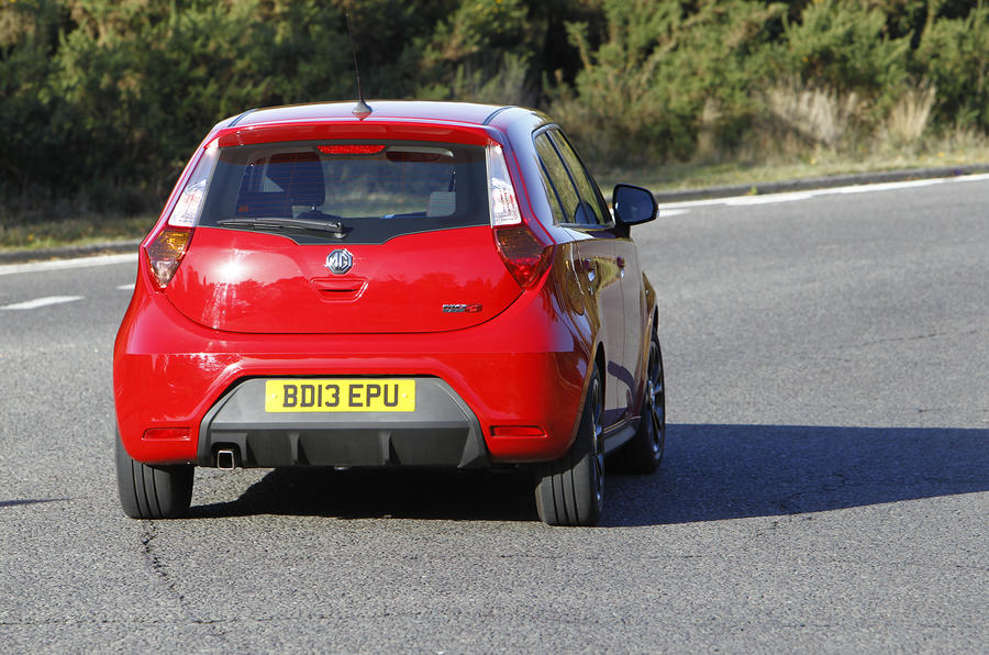 MG3 rear cornering