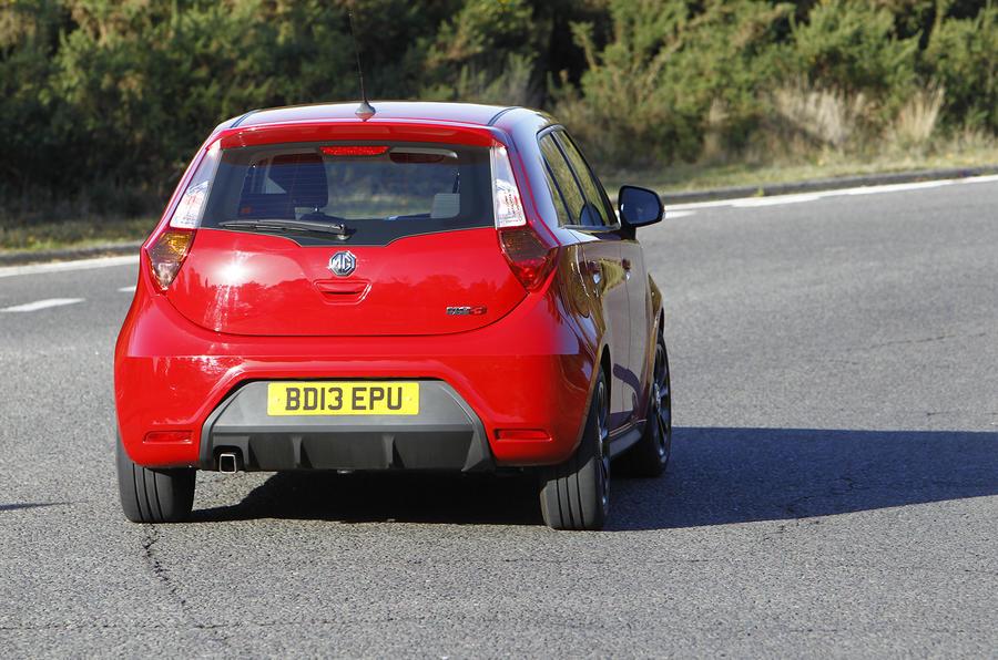 MG3 rear cornering