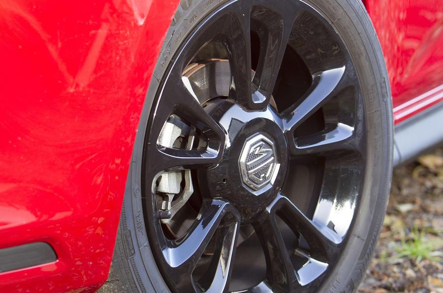 MG3 18in alloy wheels