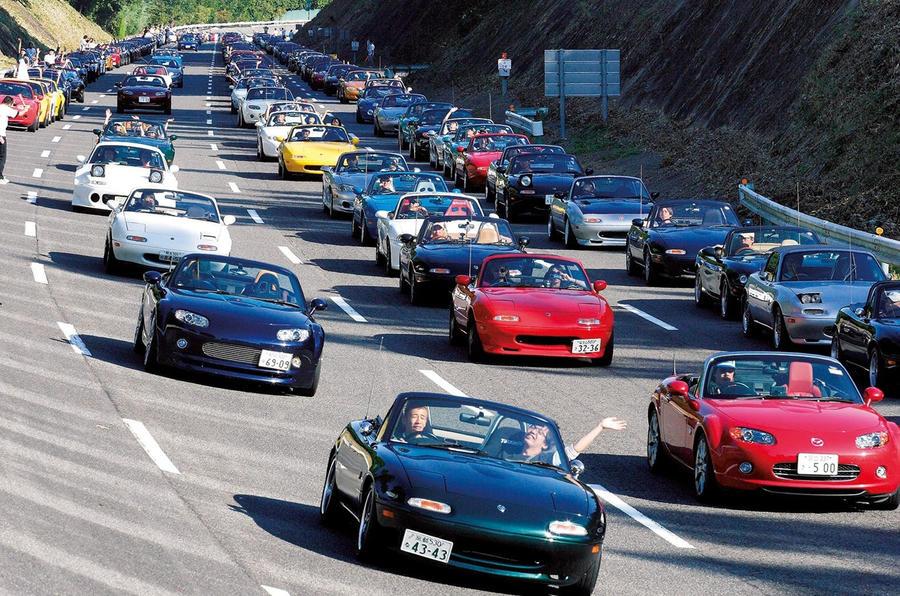 https://www.autocar.co.uk/sites/autocar.co.uk/files/styles/gallery_slide/public/MX-5_20th_anniversary_2009_Japan_14.jpg?itok=29APuYP6