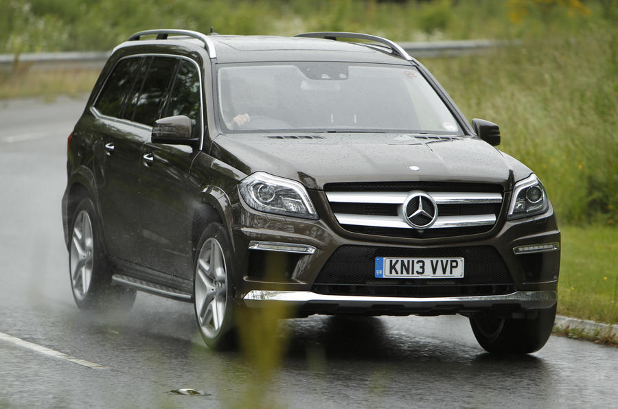 Mercedes-Benz GL cornering